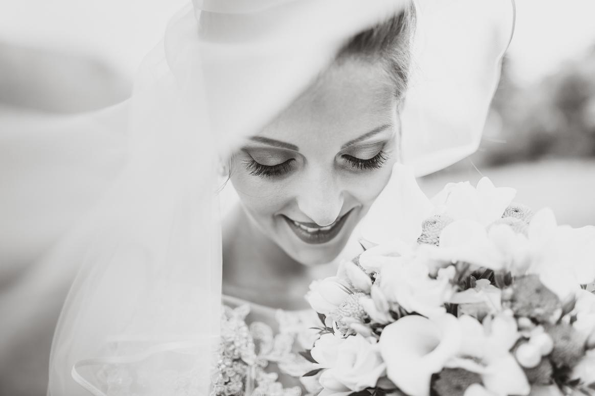 Hochzeitsfotograf in Bamberg macht emotionale Schwarzweiss Portraits