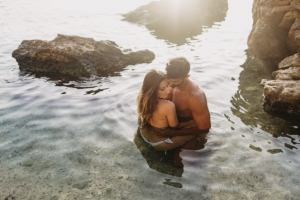 mallorca lifestyle photography beach 300x200 couple in the water