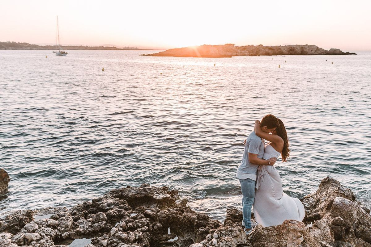 couple photographer alcudia Mallorca Couple Photographer | What to wear to your couple photoshoot?