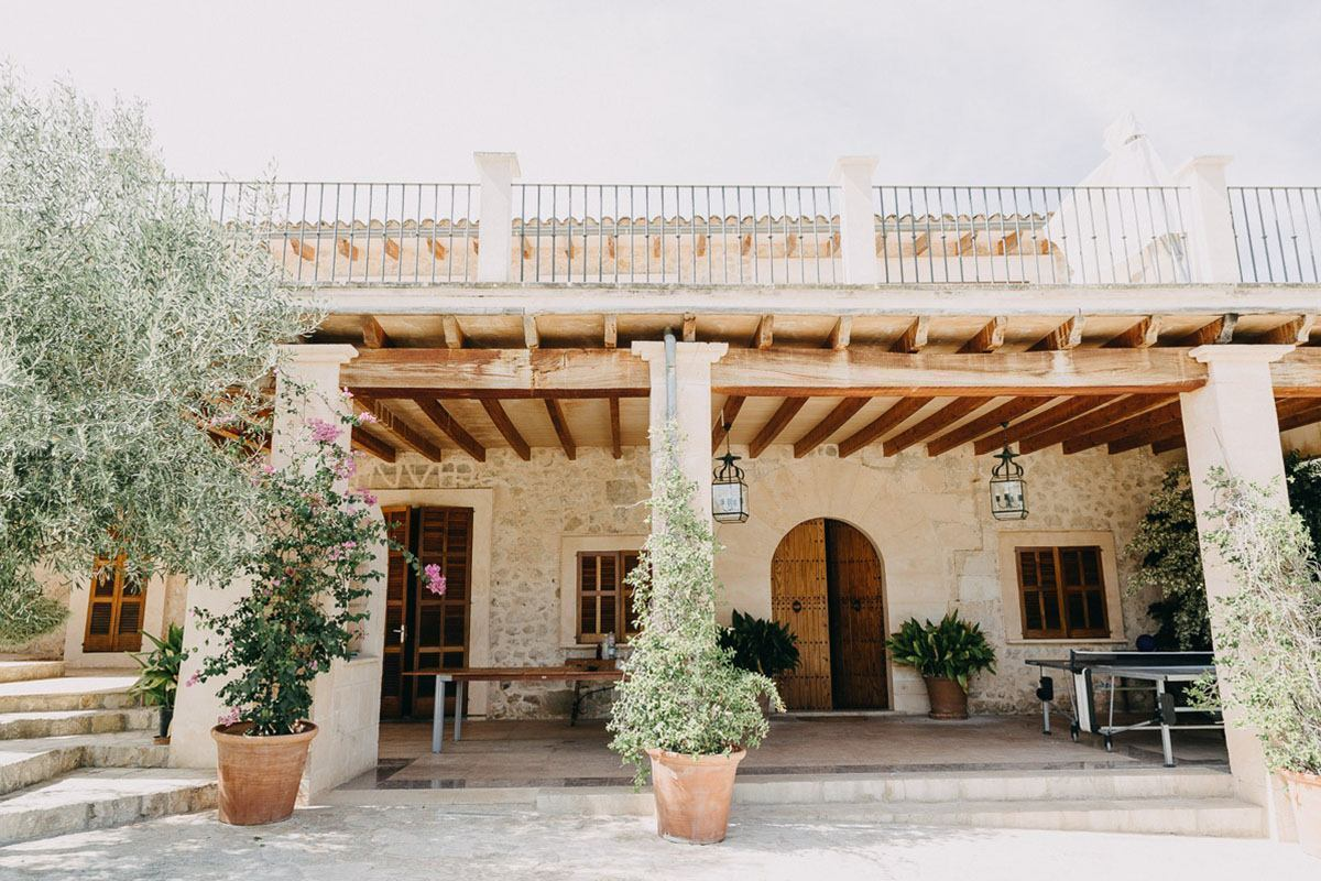 mallorca outdoor wedding A Finca Wedding in Mallorca | 3 tips from our Mallorca Wedding Photographer