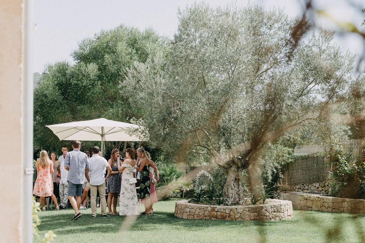 mallorca garden wedding A Finca Wedding in Mallorca | 3 tips from our Mallorca Wedding Photographer