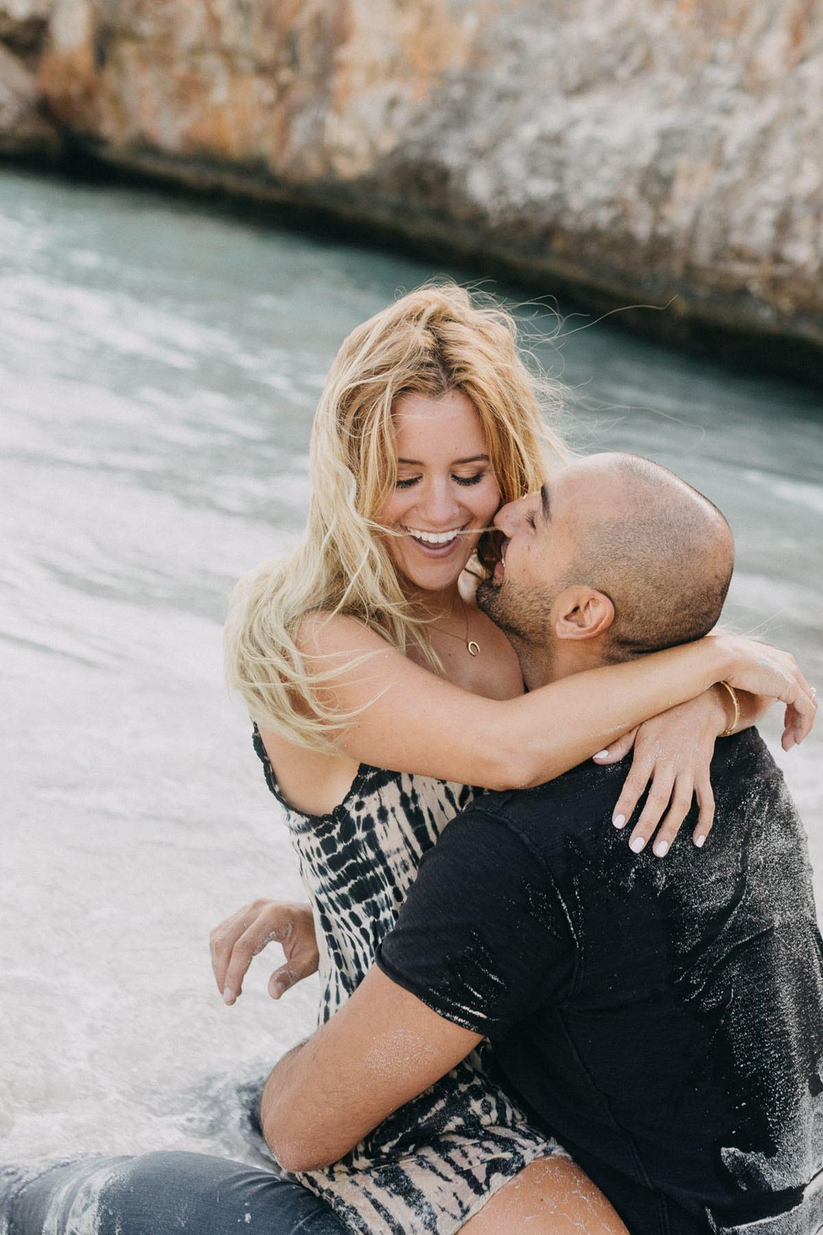 cala d or honeymoon photo shoot - Photographer Cala d'Or | Intimate couple photo shoot in Mallorca