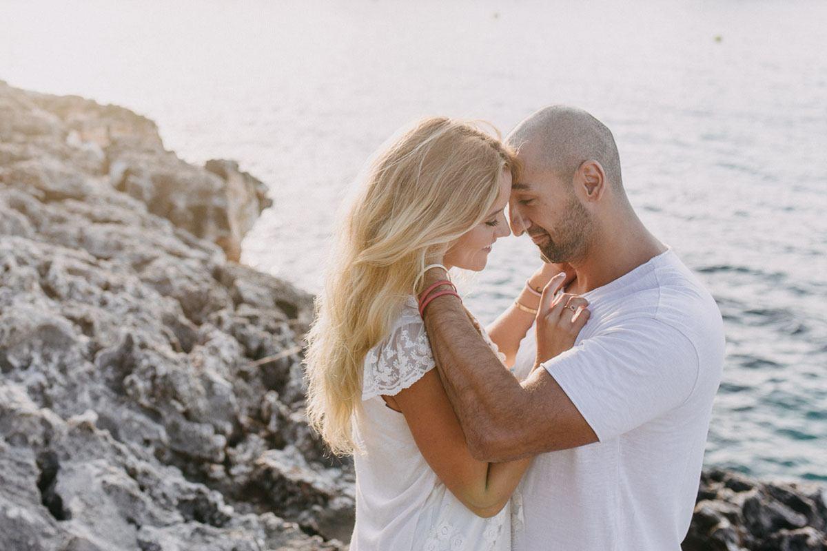 cala dOr photographer - Photographer Cala d'Or | Intimate couple photo shoot in Mallorca
