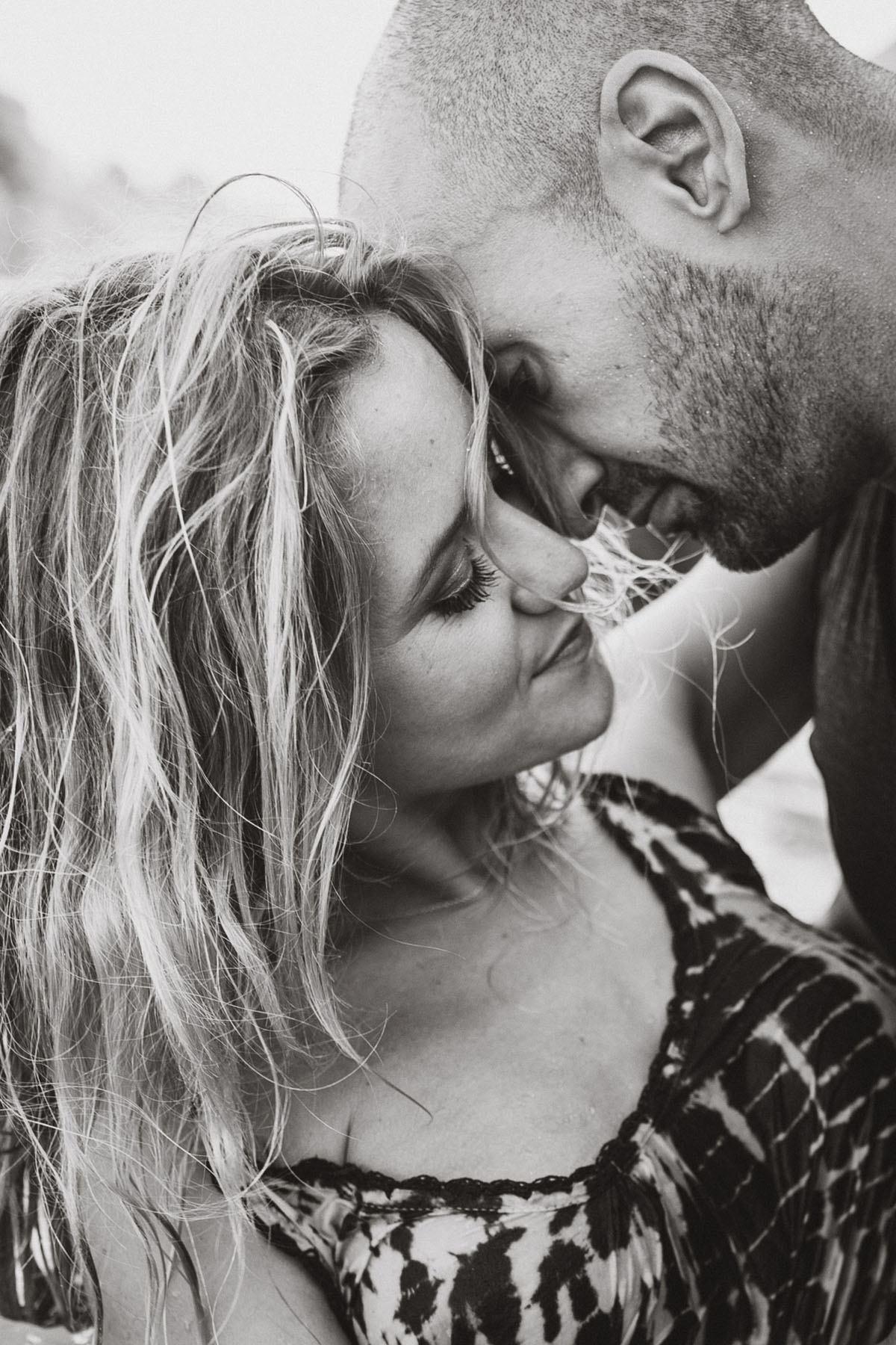 intimate wedding photographer cala d or - Photographer Cala d'Or | Intimate couple photo shoot in Mallorca