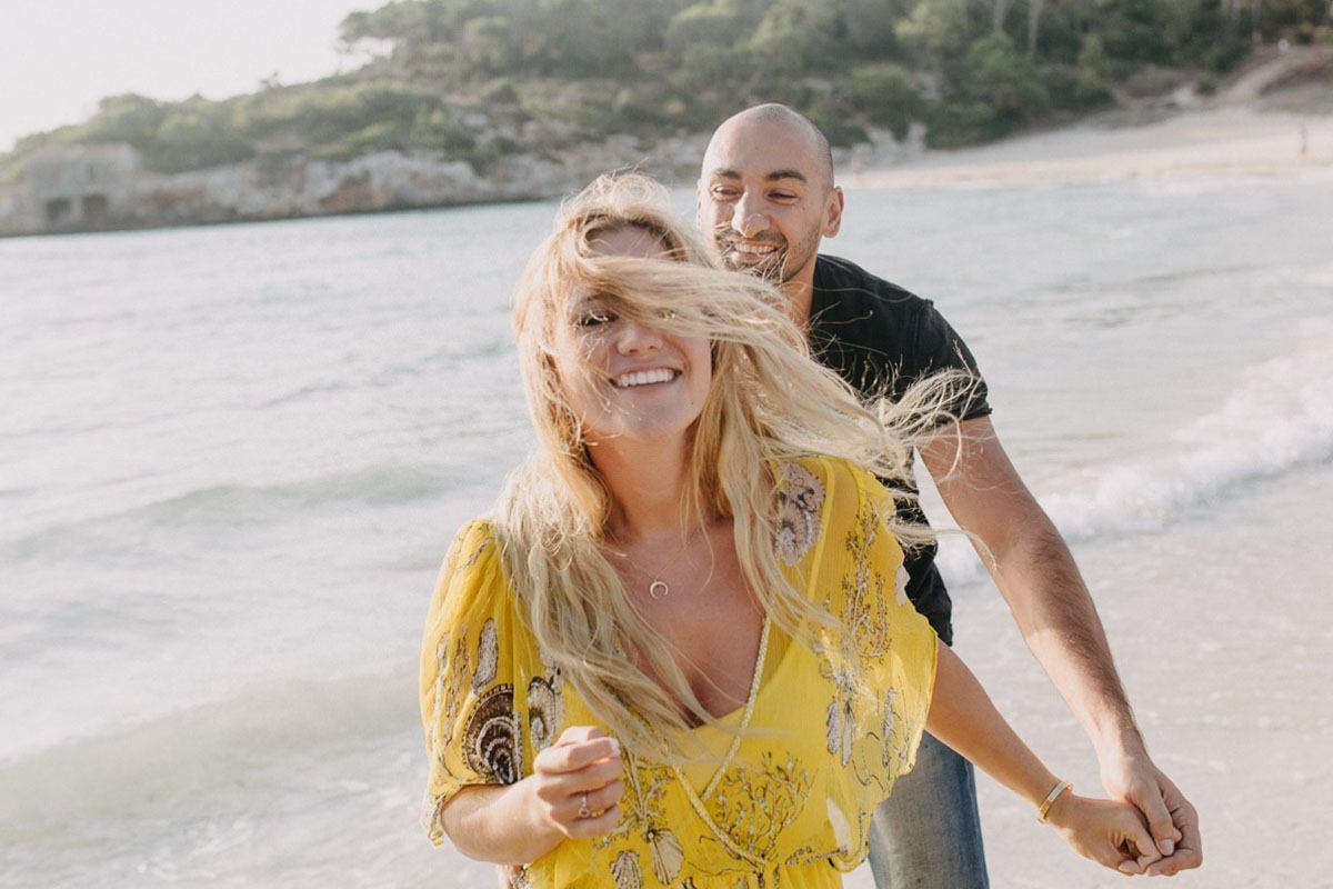 lifestyle photographer mallorca - Photographer Cala d'Or | Intimate couple photo shoot in Mallorca
