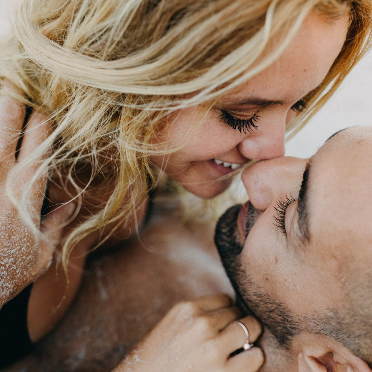 modern photographer cala d or Photographer Cala dOr | Intimate couple photo shoot in Mallorca