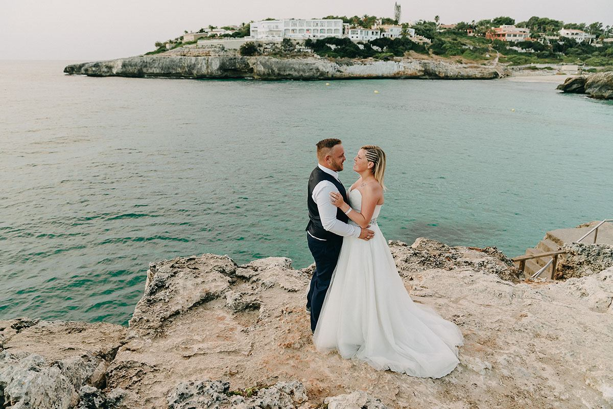 mallorca beach elopement wedding Elopement wedding in Mallorca   3 reasons to take the leap!