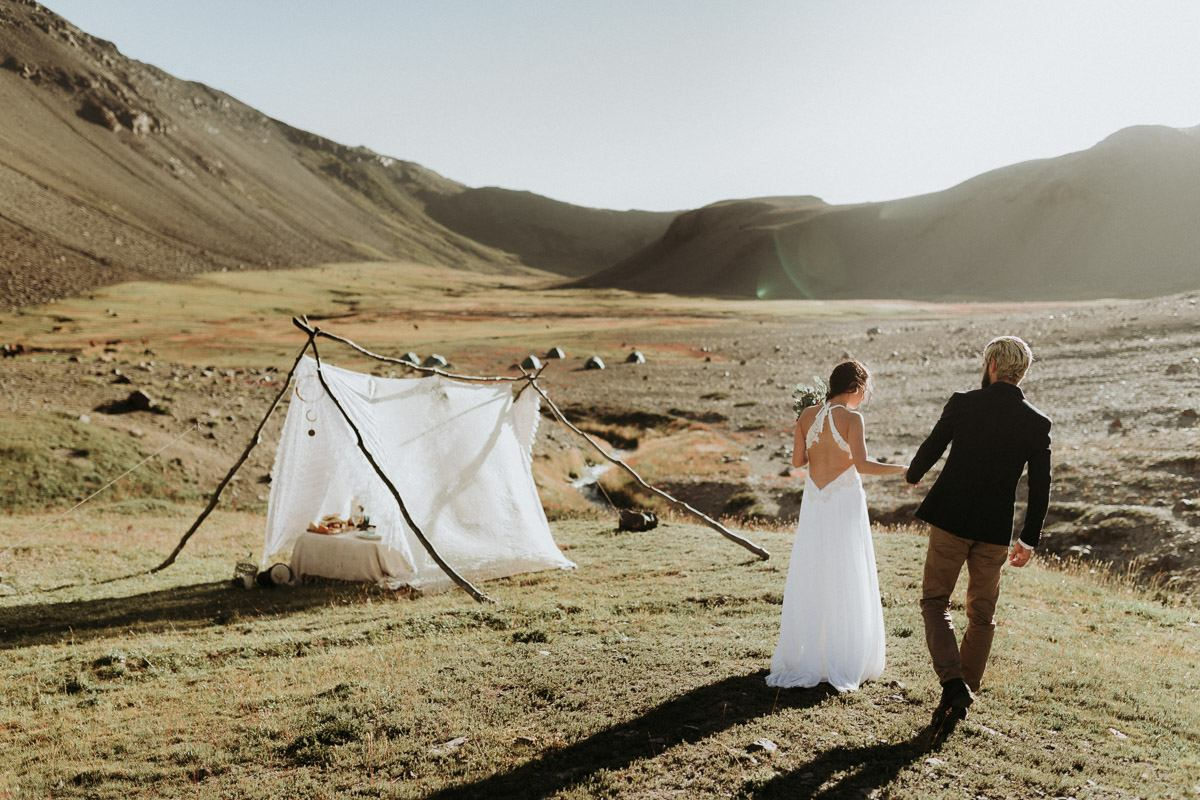 adventure wedding photographer chile Destination Wedding photographer in Chile   wilderness elopement on horseback