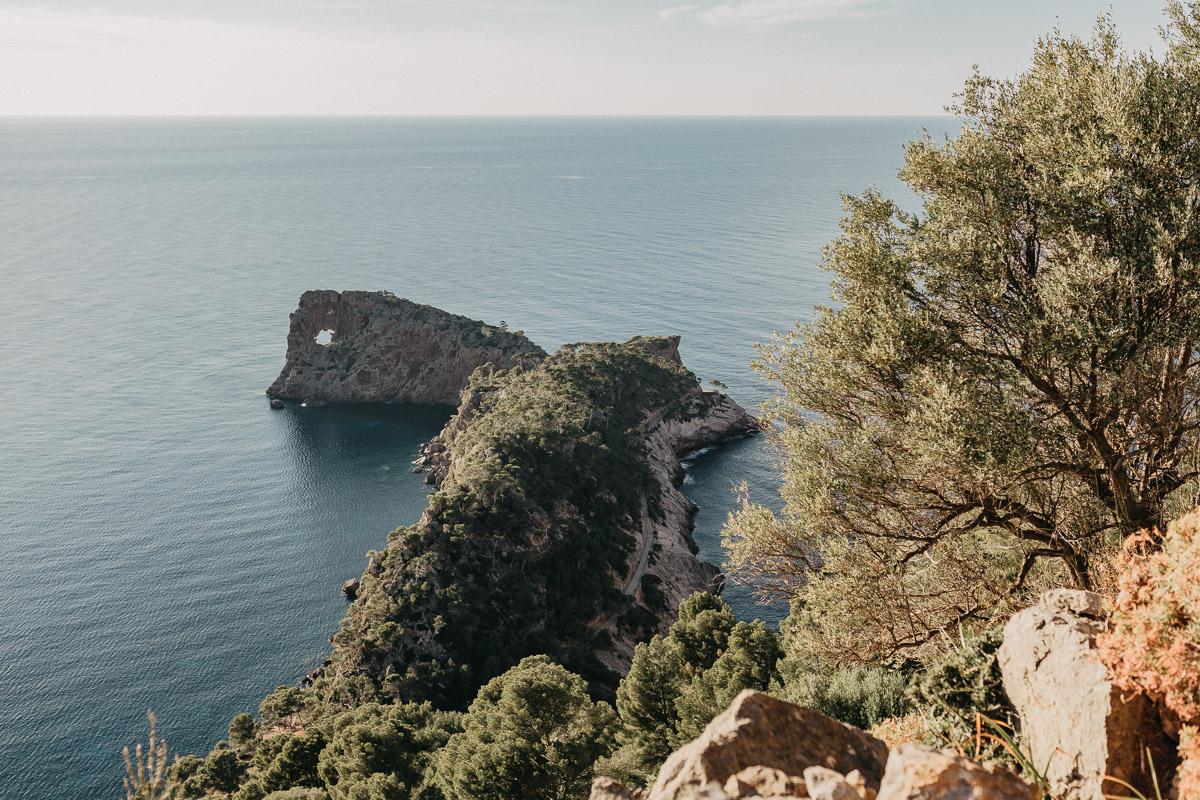 Sa Foradada Elopement photographer Spain   hiking elopement near Deia