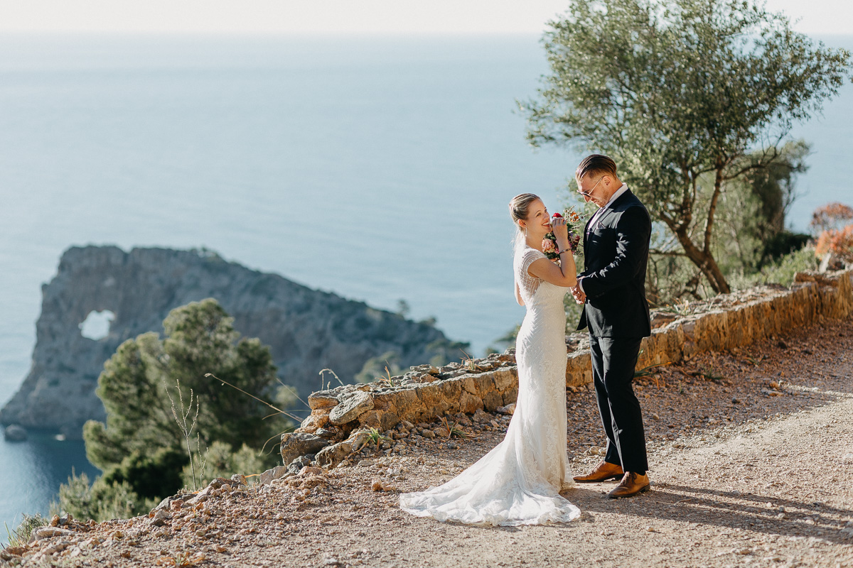Wedding mallorca Elopement photographer Spain   hiking elopement near Deia