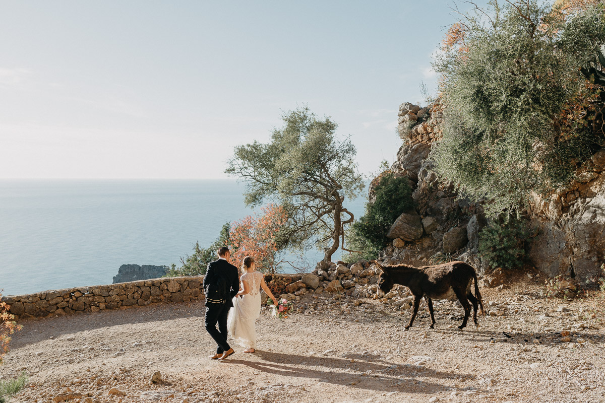 adventure wedding Spain 0 Elopement photographer Spain   hiking elopement near Deia