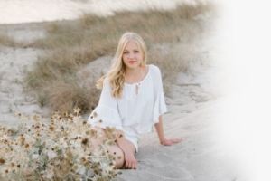 photo1 768x512 1 300x200 portrait of young lady on the sand